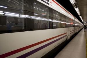 Barcelona_metro_train