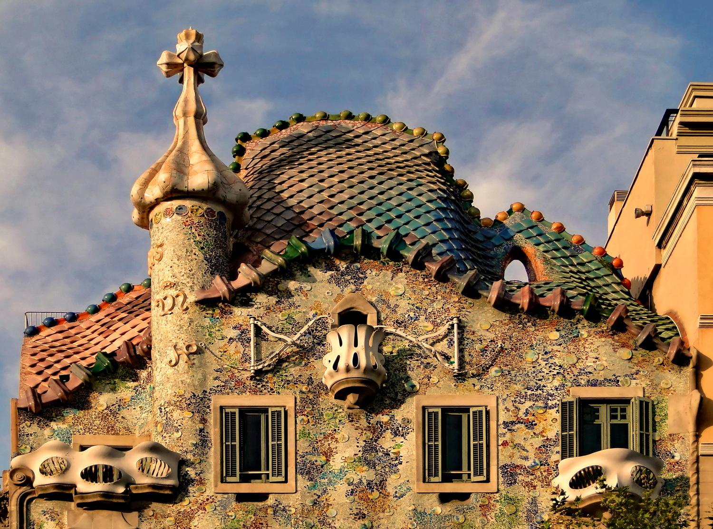 Casa batll gaud barcelona connect for Casa immagini