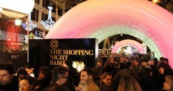 passeig-de-gracia-shopping-night-bcn