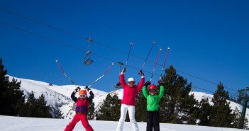 Family-ski-trip-La-Molina-Barcelona