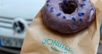 Cacao violeta donut