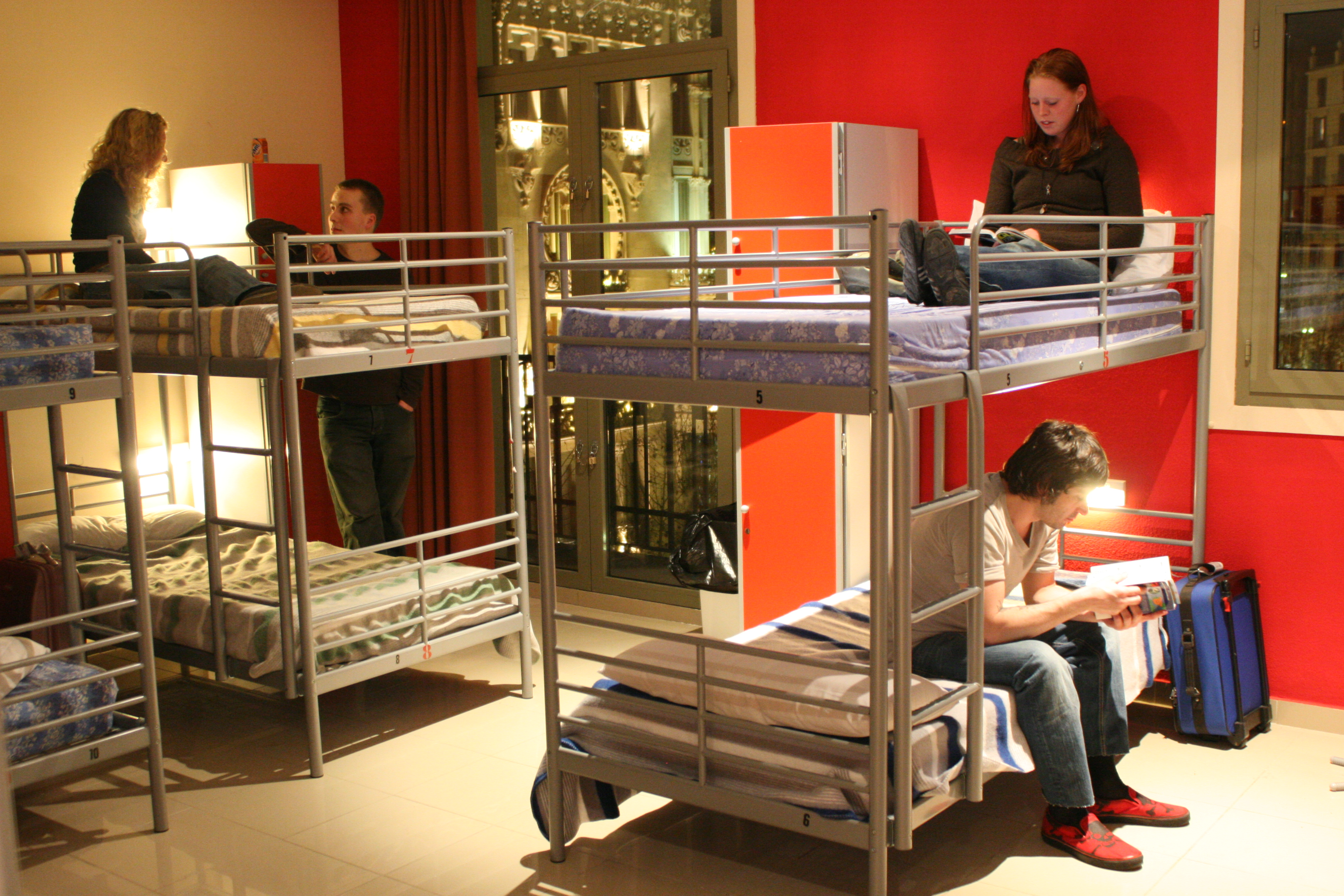 The ultimate guide for students in barcelona for Hostel gracia barcelona