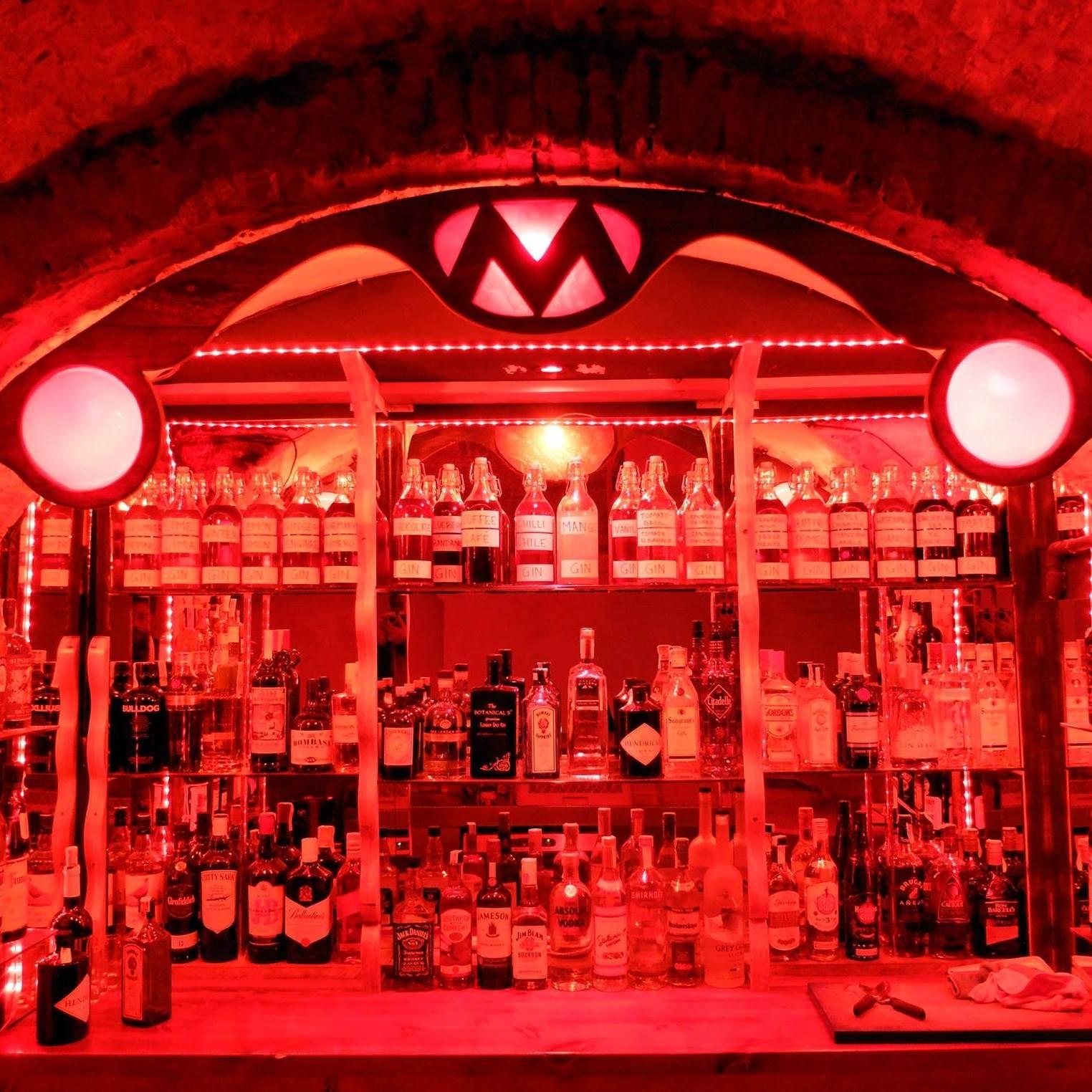 barcelona hook up bars