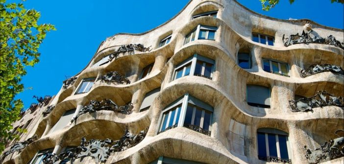 DIY Gaudí walking tour: 5 essential stops