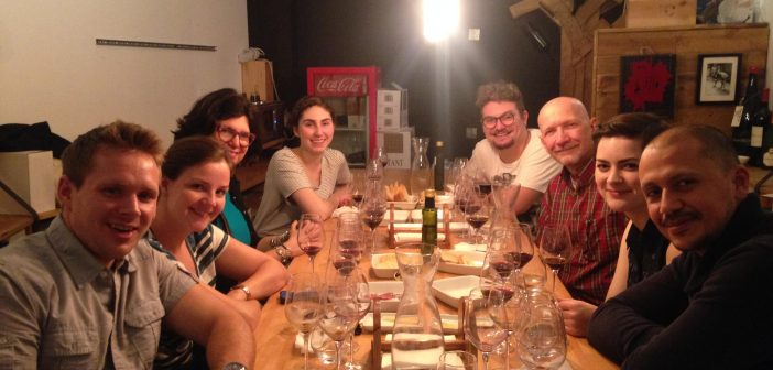 Local Wine and Tapas Tour in the Born