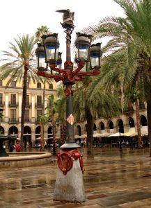street lamps placa reial