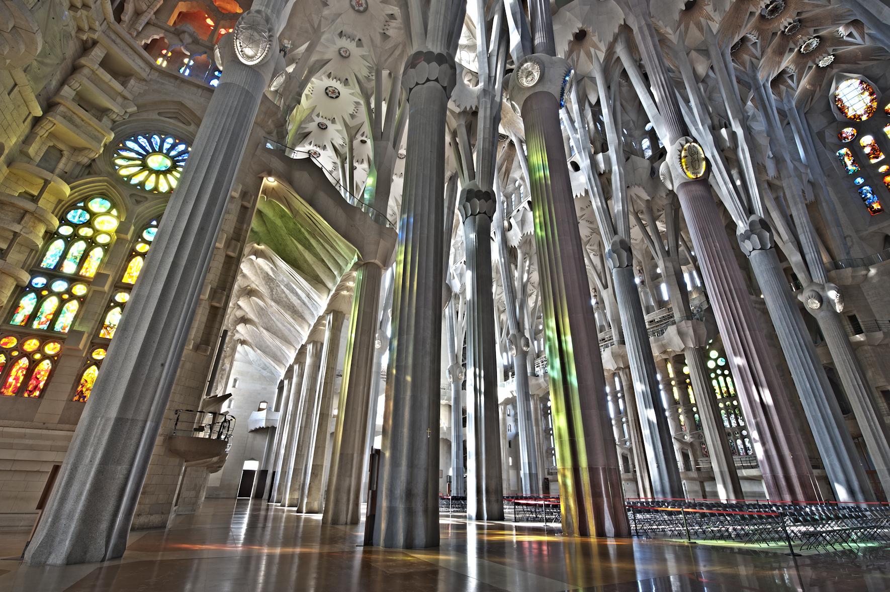 Six must see churches in barcelona barcelona connect for La sagrada familia church