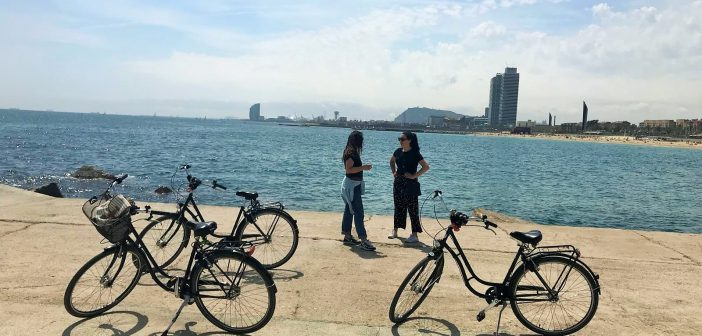 Happy Rental Bike Barcelona: Bespoke Tours by Experienced Guides