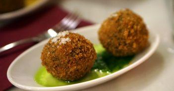 Eye on Food Tours: Sips, Sites & Bites