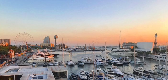 Sailing with a Barcelona Watersports Sunset Cruise
