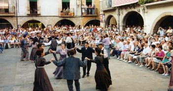 Catalan Traditions: Sardana Dance in Barcelona