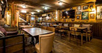 Best European bars for Erasmus students in Barcelona